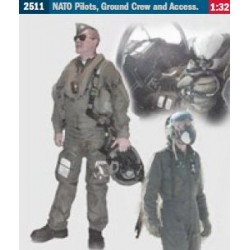Pilots, Ground Crew and Accessories 1/32