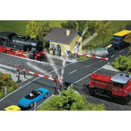 Passage à niveau gardé / Gated railway crossing H0