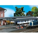 Deux quais de gare / 2 Covered platforms H0
