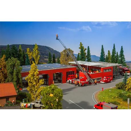 Poste de sapeurs pompiers moderne / Modern fire station H0
