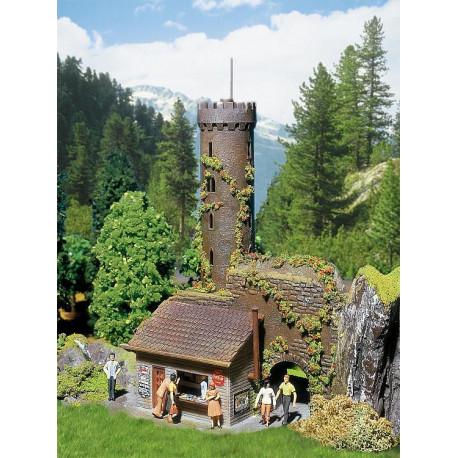 Tour avec beau point de vue / Castle observation tower H0
