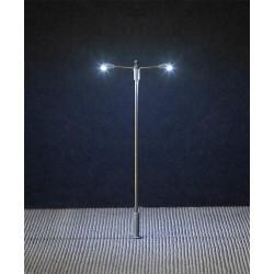 Éclairage public LED, lampe en prolongement, deux bras H0