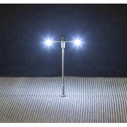 Éclairage public LED, lampe en prolongement, deux bras / LED Street lighting, pole-integrated lamp, two arms N