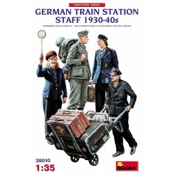 German Train Station Staff 1930-40s WWII 1/35