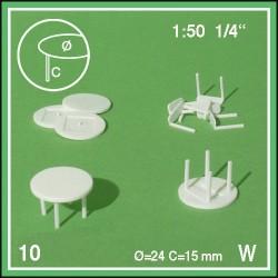 Dix tables rondes à quatre pieds, à peindre