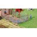 Clôture à treillis métalliques 340mm / Wire mesh fence with wood poles, 340 mm H0