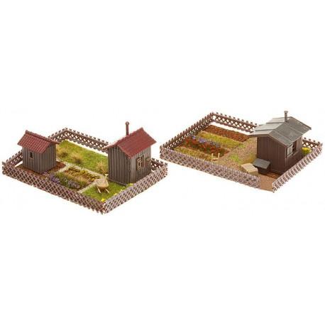 2 jardins d'ouvrier avec cabane / 2 Allotments with sheds H0