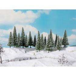 16 Sapins enneigés / 16 Snowy Fir Trees, 4 – 10 cm