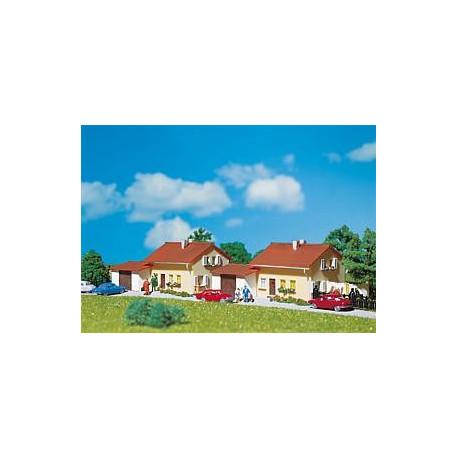 Ensemble de 2 habitations / 2 Suburban homes N