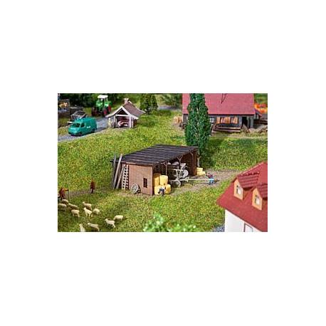 Entrepot de foin et de balles de paille / Hay and straw bale storage N