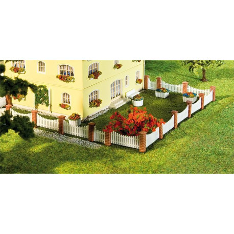 Clôture de jardinet / Front garden fencing, 210 mm N
