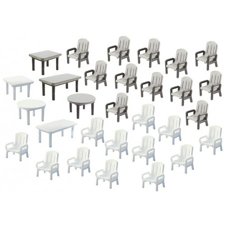 6 tables et 24 chaises / 24 Garden chairs and 6 Tables N
