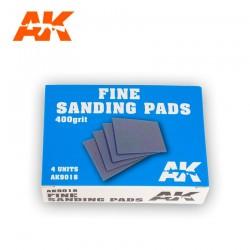 4 Eponges abrasives / 4 Medium Sanding Pads 220