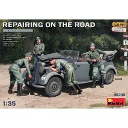 Repairing on the Road 1/35