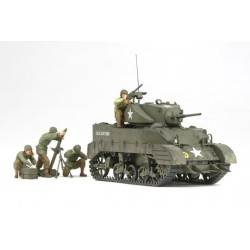 US Light Tank M5A1 w/ 4 Figures 1/35