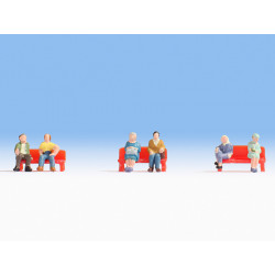 Figurines assises / Sitting people Z