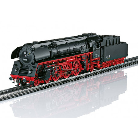 Locomotive lourde à vapeur BR01.5.de la compagnie des chemins de fer allemand DR